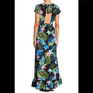Romeo + Juliet open back tropical maxi dress M NWT